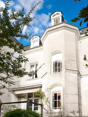 Façade côté jardin - La Maison Jules - Chambres d'hôtes Touraine.jpg